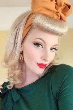 Vintage hairstyles updo pin up victory rolls Ideas Victory Rolls, Victory Roll Hair, 1940s Hairstyles, Hairstyles With Bangs, Vintage Hairstyles Tutorial, Modern Hairstyles, Trending Hairstyles, Hollywood Stars, Bumper Bangs