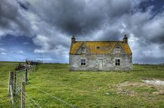 Abandoned house, North Uist