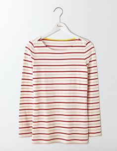 On an average day, you can find roughly 83% of Boden staffers wearing something stripy. Well, nothing beats a classic. This long-sleeved Breton is made from supersoft cotton and is THE wardrobe must-have. We're not ones to rest on our laurels though – we've tweaked the fit to be slightly longer and even better than ever before (just like you asked).