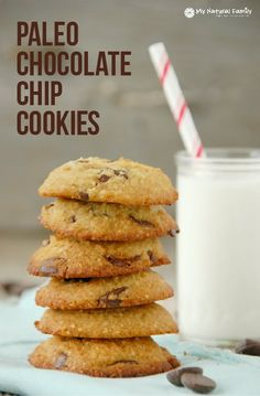 This is the best Paleo chocolate chip cookies recipe to be found. I'm so excited to be able to eat chocolate chip cookies again, I really missed them. Paleo Cookie Recipe, Gluten Free Cookie Recipes, Paleo Cookies, Gluten Free Desserts, Classic Chocolate Chip Cookies Recipe, Paleo Chocolate Chips, Chocolate Cookies, Chocolate Recipes, Paleo Sweets