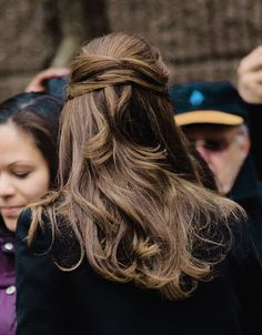 anythingandeverythingroyals: Duchess of Cambridge-back hair detail
