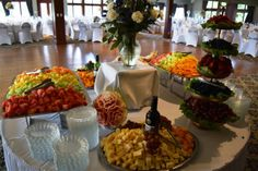 Fruit and Cheese Appetizers Glen Oaks, Cheese Appetizers, English Style, Wedding Dreams, Banquet, Table Decorations, Fruit, Ideas, Style Uk