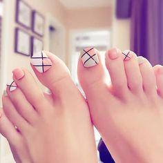 Pedicure Designs, Toe Nail Designs, Acrylic Nail Shapes, Acrylic Nails, Flare Nails, Edge Nails, Round Nails, Types Of Nails, Toe Nail Art