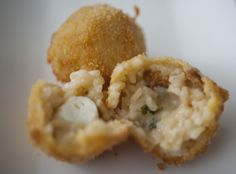 Arancini, Muffin, Breakfast, Risotto Recipes, Italy, Kochen, Food Food, Woman, Morning Coffee