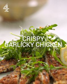 This beautiful easy chicken breast recipe from Jamie Oliver is so simple and so delicious. Meat Recipes, Food Processor Recipes, Chicken Recipes, Cooking Recipes, Recipies, Quick Easy Meals, Healthy Dinner Recipes, Easy 5, Jamie Oliver Chicken