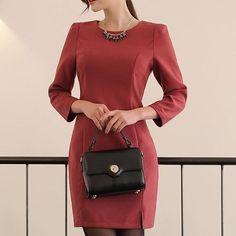Красное элегантное платье  Заказать можно через direct, Facebook, what's up. Размеры от XS до L.  #february_store #store_february #style #fashion #follow #beauty #beautiful #dress #look #love #red #мода2017 #мода #весна # красота #платье #прекрасное #красный
