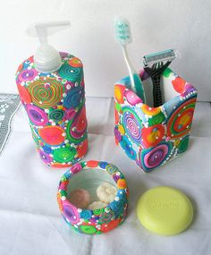 Polymer clay over glass bath set. Great pattern, but I'd use a little different color palette. BUBBLES, via Flickr.