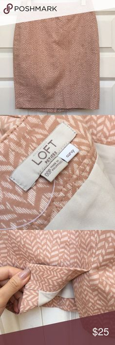 """Ann Taylor LOFT Soft Pink Cotton Pencil Skirt EUC Waist:13"""" Length:18.5"""" All measurements are taken with the item laid flat.  Excellent Used Condition Stretch:Normal Material:See photos 15% off on bundles. I ship same-day from pet/smoke-free home.Buy with confidence.I am a top seller with close to 800 5-star ratings and A LOT of love notes.Check them out!😊😎 LOFT Skirts Pencil"""
