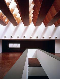 Como parte da seçãoObras Construídas, publicamos o projeto do Museu de Arqueologia construídoemAlmeria, naEspanha, de autoria do escritório espanholParedes Pedrosa arquitectos. O projeto resul…