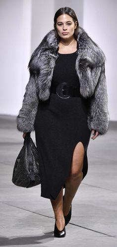 Plus size evening wear by Designer Michael Kors | AW 17/18 | Fashion Week New York