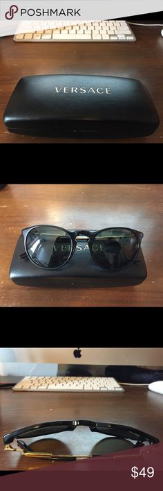 Versace VE 4315A mens sunglasses shades 100% Authentic.Versace VE 4315A GB1/71 52 mm Black Grey Green Excellent Condition. Versace Accessories Sunglasses