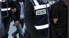 Diyarbakır'da 15 Temmuz soruşturması kapsamında 515 tutuklama: Valilik Diyarbakır'da 15 Temmuz darbe girişimi soruşturması kapsamında 515 kişinin tutuklandığını açıkladı.