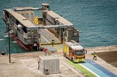 Le Dixmude débarque aux Antilles, le Dumont d'Urville part en Guyane | Mer et Marine Landing Craft, Saint Martin, Freight Transport, Toulon