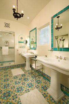 Country decor Spanish style homes design, Spanish style homes balcony, Spanish s… – The Best Spanish Bathroom Designs,Tips and Images Spanish Style Bathrooms, Spanish Bathroom, Spanish Revival Home, Spanish Style Homes, Spanish Colonial, Spanish Modern, Hacienda Style Homes, Mediterranean Home Decor, House Tiles