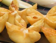 BAKED Crab Rangoon. 1/8 tsp garlic salt 1/8 tsp worcestershire sauce 1 small green onion 4oz imitation crab( or canned or fresh) 3oz cream cheese (softened) 1 raw egg beaten 14 wonton wrappers Preheat oven 425' Cut up crab and mixed in with the garlic salt worcestershire, green onion and cream cheese. Spoon mixture into wonton wrappers. Seal wrappers with raw egg. Bake for 8 to 10 minutes