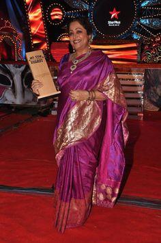 Kirron Kher in a Magenta Saree.. wonder what saree is this