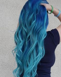 Wie das Meer, Mermaid Hair in b… Blue ombre hair! Super nice with the transition! Like the sea, Mermaid Hair in blue Super Hair Ombre Blue Hig Black Blue Ombre Hai Pretty Hair Color, Ombre Hair Color, Blue Ombre, Hair Colour, Blue Hair Colors, Hair Goals Color, Coloured Hair, Pinterest Hair, Mermaid Hair