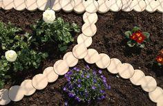 Tout #savoir sur les #bordures #plastique !   Avec ces #borduresplastique : les #angles c'est facile. http://www.amenager-ma-maison.com/terrasse-et-jardin/bordure/plastique/avec-ces-bordures-plastiques-les-angles-c-est-facile-34-n  Bonne #lecture et excellent #shopping à tous sur www.amenager-ma-maison.com !