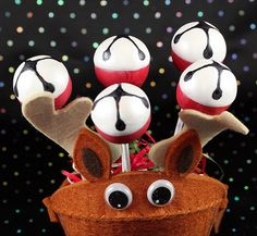Jingle Bell Reindeer Cake Pops by IrishMomLuvs2Bake, via Flickr