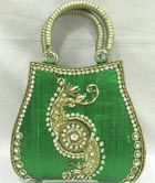 http://www.paridhan.co.in/collections/child/54/accessories/bags-purses