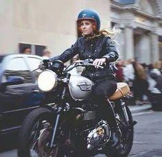 Triumph Motorcycle - ❤️ Women Riding Motorcycles ❤️ Girls on Bikes ❤️ Biker Babes ❤️ Lady Riders ❤️ Girls who ride rock ❤️TinkerTailorCo ❤️ #bikerstopsuk ❤️