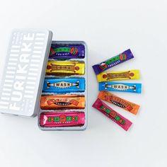 【ときめく手みやげ】第4話:とびきり美味しくて、かわいい。ユニークな白缶に入ったお菓子4つ – 北欧、暮らしの道具店 Food Packaging, Packaging Design Inspiration, Branding, Notes, Sweets, Candy, My Favorite Things, Gifts, Package Design