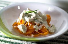 Receita de fettucine de cenoura ao creme de frango - pareceu gostosa e saudável!