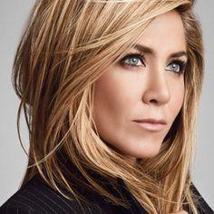 A Living Proof, marca de produtos para o cabelo que tem Jennifer Aniston como sócia e garota propaganda chega ao Brasil....