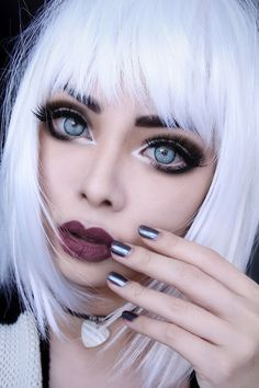 overstated example but good show of how to make eyes POP!