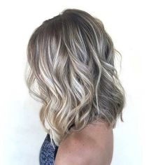New And Elegant Blonde Hair Color Ideas For 2020 Ash Blonde Balayage Short, Gray Balayage, Brown Blonde Hair, Hair Color Balayage, Pale Blonde, Platinum Blonde, Blonde Ombre, Ombre Bob, Ombre Hair