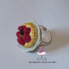 Bague fimo tartelette framboises, bijou gourmand fantaisie. Polymer clay. http://des-bijoux-en-veux-tu.alittlemarket.com
