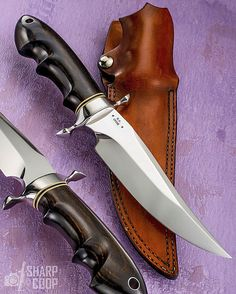 A VERY rare one, indeed. W.W. Cronk made ornate knives in the 70's and 80's. He passed away, and there are now memorial awards by the Knifemakers Guild for his legacy. THIS is easily why he is so revered! (Knife courtesy of @KnifeLegends.com_) ____________ NOTE: I do NOT know prices or availability. Please search maker or dealer in text for more info. #knifepics #knifephoto #sharpbycoop #knives #knifenut #knifestagram #knifecommunity #knifeporn #knifecollection #allknivesdaily #customknives…