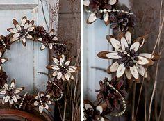 DIY: wreath with pine cones