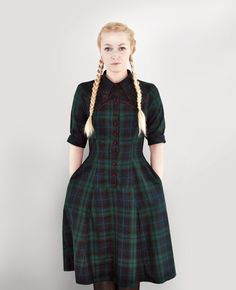 Midi Dresses – Amazing tartan dress with dark green checked pattern. Wear it with lace boots on cold days! Women's fashion– a unique product by Femkit via en.dawanda.com