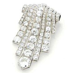 Boucheron Art Deco Diamond Platinum Pendant-Brooch 3