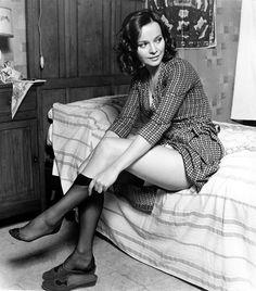 """Laura Antonelli (Pola, 28 novembre 1941 – Ladispoli, 22 giugno 2015), attrice italiana.    """"Malízia"""" (1973)   Regia: Salvatore Samperi"""