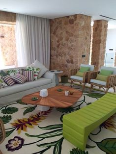 Aloha rug from Braquenié installed in this wonderful living room in Miami !  Merci beaucoup Sophie D. Bray from London... it looks stunning !