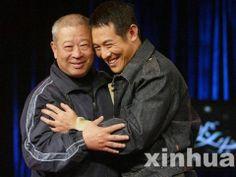 Jet Li paying his respect to his teacher