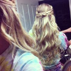 Easy to do hair style! Curly with braid