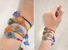 DIY Evil Eye Friendship Bracelets Tutorial. No bead loom needing, sliding knot closure.