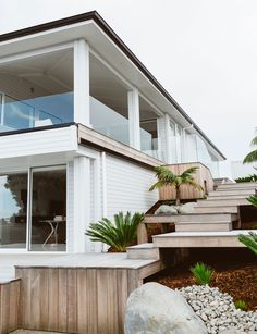 So You Wanna Buy A House? Here Are 5 Things You Should Know beautiful modern beach house exterior Exterior House Colors, Exterior Design, Future House, My House, Inside Home, Modern Coastal, Coastal Homes, Beach Homes, House Goals