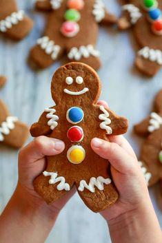 Gingerbread Man Cookies are my favorite Christmas treat to decorate with my kids. These soft gingerbread cookies are perfect for preschool parties! Christmas Desserts, Christmas Treats, Christmas Cookies, Christmas Recipes, Holiday Recipes, Soft Gingerbread Cookie Recipe, Gingerbread Man Cookies, Ginger Bread Cookies Recipe, Cookie Recipes