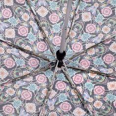 Paraguas Catalina Estrada for Ezpeleta —#13412 Paraguas plegable de mujer. 54/8 Abre-cierra automático con varillas de fibra de vidrio, 5 secciones. Estampado diseñado por ©Catalina Estrada. Tejido poliéster. Surtido de 4 colores. #umbrella #CatalinaEstrada #fashion #trend