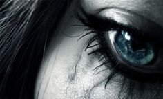 blue-eye-crying-photos-9.jpg