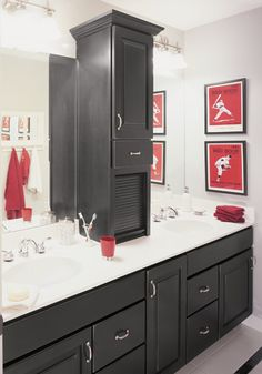 The cabinet on the counter black bathroom cabinets Teen Boy Bathroom, Teen Bathrooms, Upstairs Bathrooms, Black Cabinets Bathroom, Bathroom Countertops, Bathroom Black, Colorful Bathroom, Gray Cabinets, Bath Cabinets