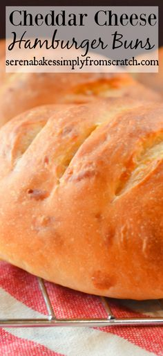 Cheddar Cheese Hamburger Buns are crusty, chewy and full of cheddar flavor from Serena Bakes Simply From Scratch. Best Bbq Recipes, Milk Recipes, Baking Recipes, Hamburger Bun Recipe, Hamburger Buns, Bagel Recipe, Biscuit Recipe, Homemade Burger Buns, Popover Recipe