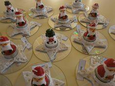 Une étoile réalisée en pâte qui durcit à lair, un peu de paillettes et une jolie bougie! le tout posé sur un CD! Christmas Verses, All Things Christmas, Christmas Crafts, Christmas Decorations, Cd Crafts, Diy And Crafts, Crafts For Kids, Cd Art, Preschool Christmas