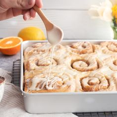 These cinnamon rolls are a play on traditional Pane di Pasqua - aka, Italian Easter Bread! Giada De Laurentiis, Giada Recipes, Cooking Recipes, Yummy Recipes, Italian Easter Bread, Italian Breakfast, Breakfast Time, Biscuits, Freshly Squeezed Orange Juice