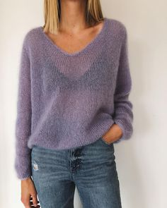 The Cumulus Blouse is worked from the top down in stockinette stitch with two strands of thin mohair/silk yarn held together throughout. Sweater Knitting Patterns, Knitting Designs, Knit Patterns, Knitting Sweaters, Blouse Patterns, Women's Sweaters, Blouse Designs, Sewing Patterns, Raglan Pullover