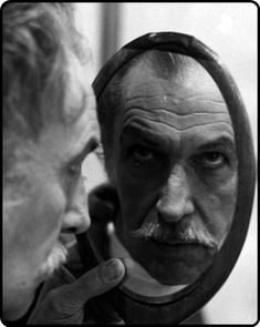 Vincent Price #mirror #miroir #specchio - Carefully selected by GORGONIA www.gorgonia.it
